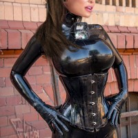 Latex Lucy (26 фото)